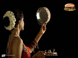 Here's How Karva Chauth Is Portrayed By Bollywood Vs How It Is In Reality